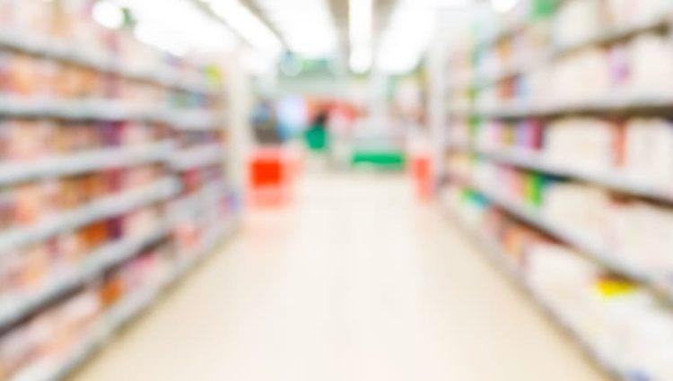 Photo of aisle of supermarket.